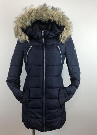Длинная куртка с капюшеном only приталенная
