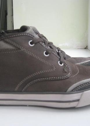 Демисезонные кожаные ботинки skechers  р.39