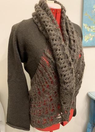Теплый коричневый шерстяной свитер (накидка) trussardi