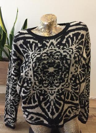Классный свитер в стиле гуччи
