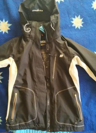 Лыжная куртка everest