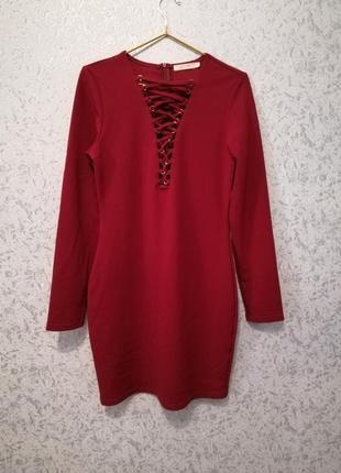 Платье красное , сукня