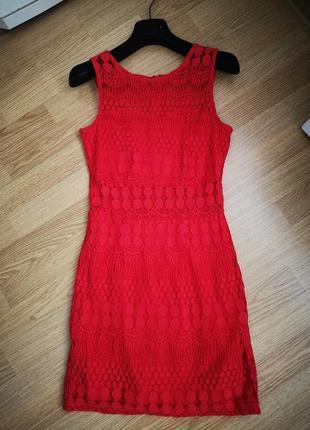 Красное платье cropp