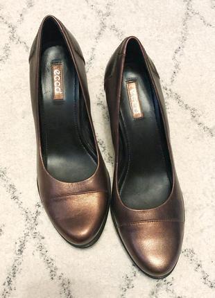 Бронзовые туфли ecco