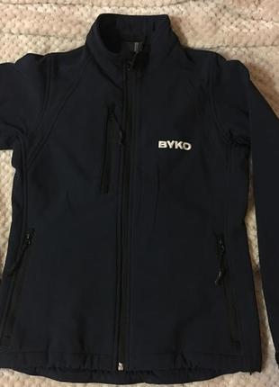 Спортивная куртка на флисе
