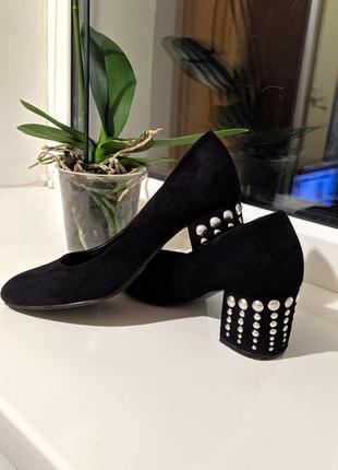 Шикарные, замшевые туфельки