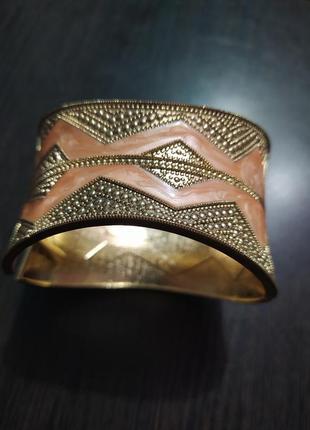 Широкий под золото металлический браслет под антиквариат