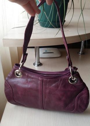 Кожанная сумочка баклажанового цвета италия