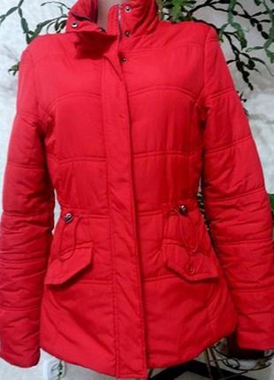 Яркая красная куртка 46-48разм  polar bear
