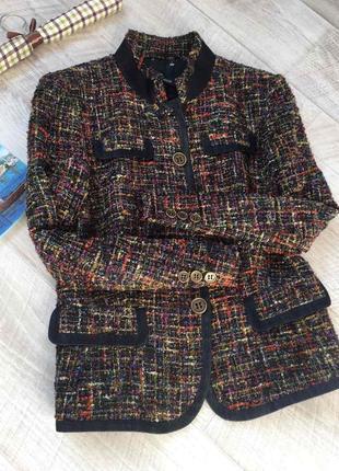 Шикарный твидовый пиджак прямого кроя