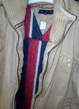 Tommy hilfiger тёплая куртка на мальчика рост 140 см