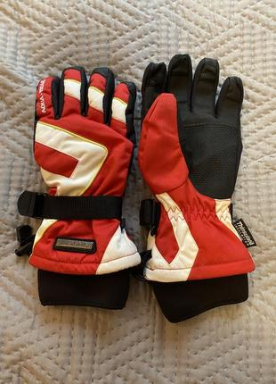 Перчатки для катания на лыжах