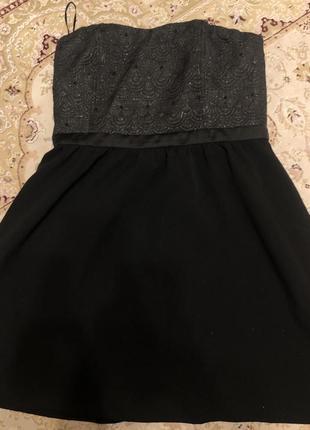 Короткое платья