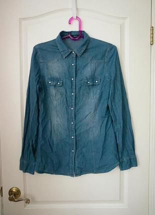 Джинсовая рубашка с жемчужными кнопками