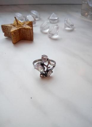 Серебряное кольцо 925 пробы в идеальном состоянии