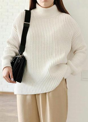 Красивый плотный свитер h&m