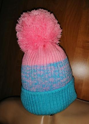 Яркая, тёплая стильная шапка с большим помпоном