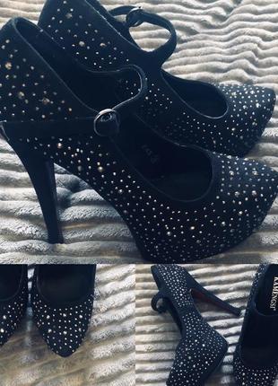 Ефектні туфлі