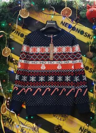 Новогодний рождественский праздничный свитер орнамент снежинки,снеговики