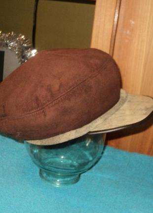 Зимний замшевый берет на меху с козырьком (шапка,кепка зима)