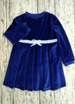 Милое бархатное платье с кружевом