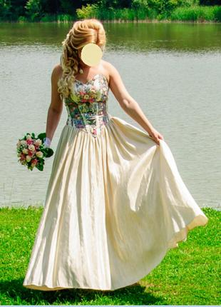 Дизайнерська сукня від оксани мухи