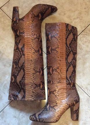 Сапоги zara из натуральной кожи с тиснением под рептилию (испания)