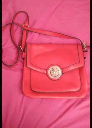 Червона сумочка