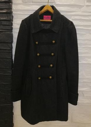 Пальто шерстяное в стиле милитари женское