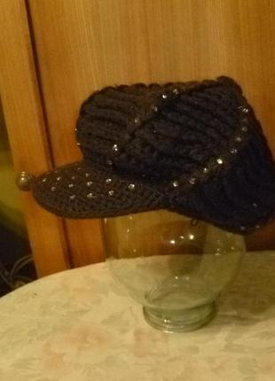 Удобный вязаный берет осень-весна со стразиками,с козырьком,шапка-кепка