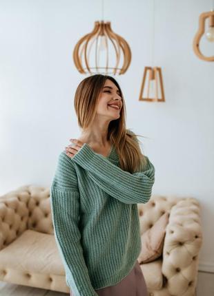 Вязанный шерстяной свитер с v-образным вырезом от wearme