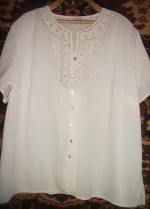 Блузка,рубашка с коротким рукавом и вышивкой damark