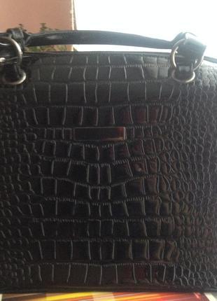 Лаковая черная сумка