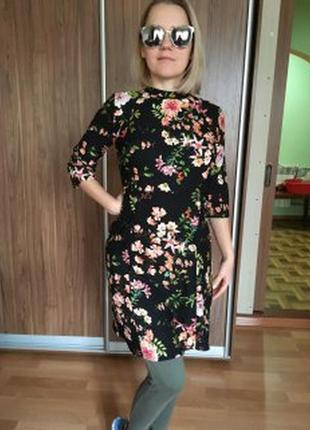 Платье для модницы с принтом
