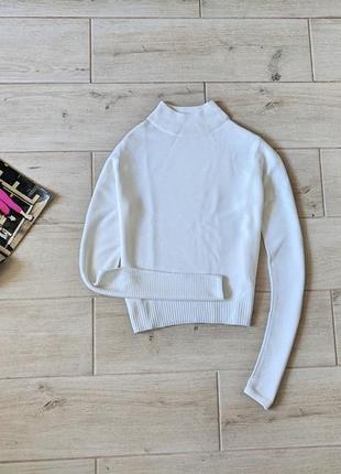 Базовый свитер под горло водолазка белого цвета