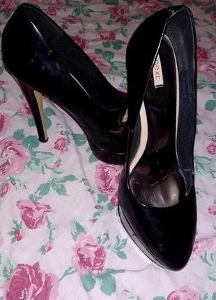 Туфли лаковые черные next