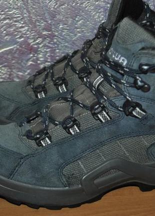 Кожаные треккинговые ботинки lowa для похода в горы, туризма, путешествий