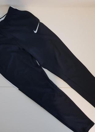 Спортивный костюм на мальчика 10-11 лет  (футболка+спортивные брюки)