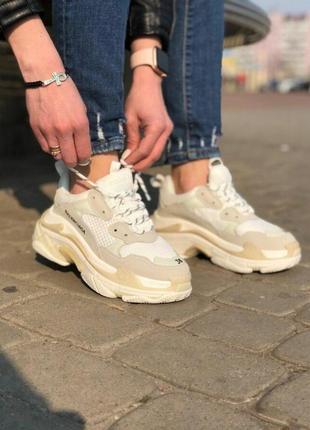 Balenciaga triple s белые кроссовки