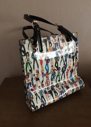 Лаковая сумка с рисунками