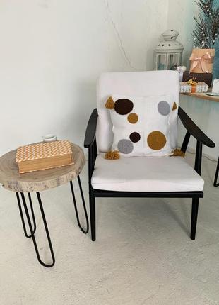 Декоративная стильная подушка ручной работы