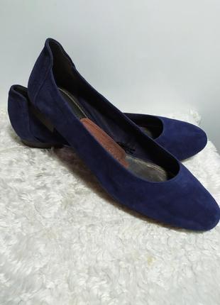 Новые (с бирками)кожанные стильные туфельки -балерины бренда marko tozzi