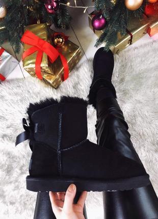 Ugg bailey bow mini black натуральные женские зимние сапоги угги чёрные зима овчина