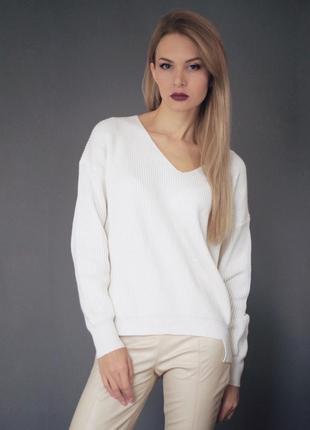 Универсальный свитер оверсайз молочный