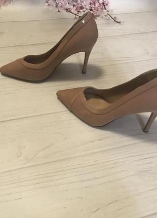 Туфли лодочки замшевые шикарные от new look