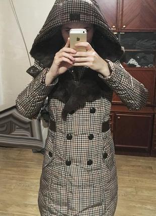 Женский зимний пуховик (100% пух), воротник  - натуральный мех. размер 38. киев