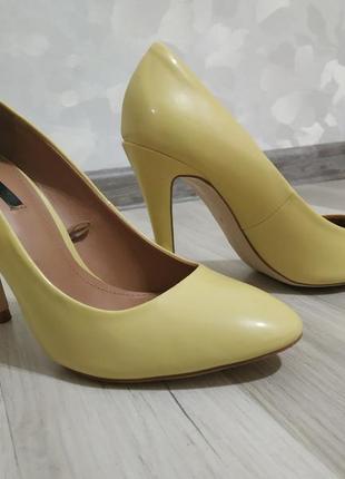 Туфлі човники zara