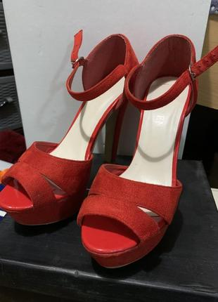 Босоножки, босоножки на каблуке, красные босоножки, замшевые босоножки