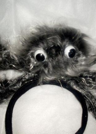 Роскошный маскарадный аксессуар: огромный мохнатый паук на обруче