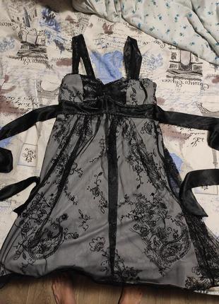 Нарядное платье с завышенной талией